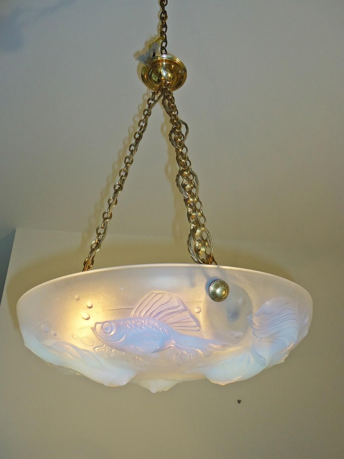les poissons ernst marius sabino plafonnier circa 1925. Black Bedroom Furniture Sets. Home Design Ideas